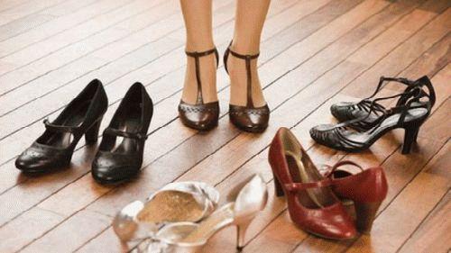 Сонник женская обувь на мужчине